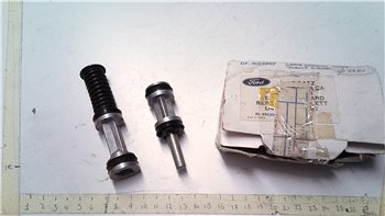 Kit di riparazione Cilindro principale della pompa freno Ford TRANSIT (or 6083858)