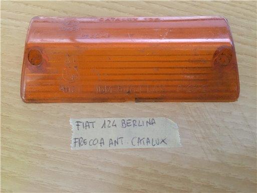 Plastica Fanale Fanalino Freccia Arancio Fiat 124 Berlina SCHEGGIATA - Catalux 124