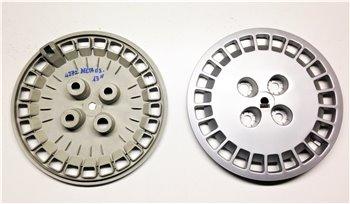"""2x Borchie Copricerchi Ruota 13"""" Lancia Delta 1.3 - MURA 4272 no logo"""
