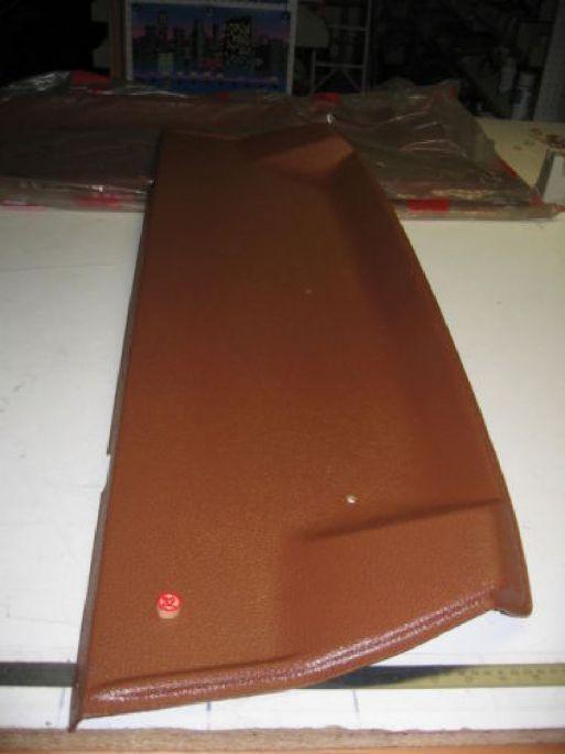 FIAT 127 CL - CAPPELLIERA POSTERIORE IN PLASTICA MARRONE