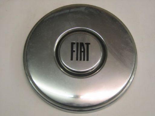 FIAT 132 GLS - COPRI CERCHIO IN METALLO CON LOGO