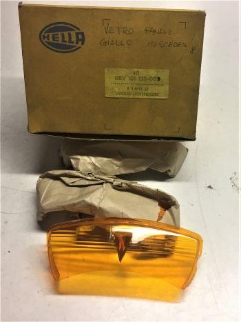 MERCEDES SERIE W114 115 - PLASTICA ARANCIONE INTERNA FANALE ANTERIORE HELLA